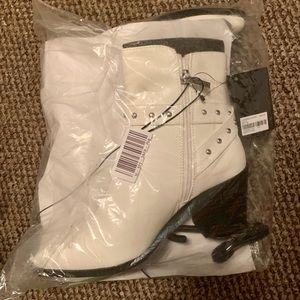 White Forever 21 Booties, New in Packaging, sz 5.5